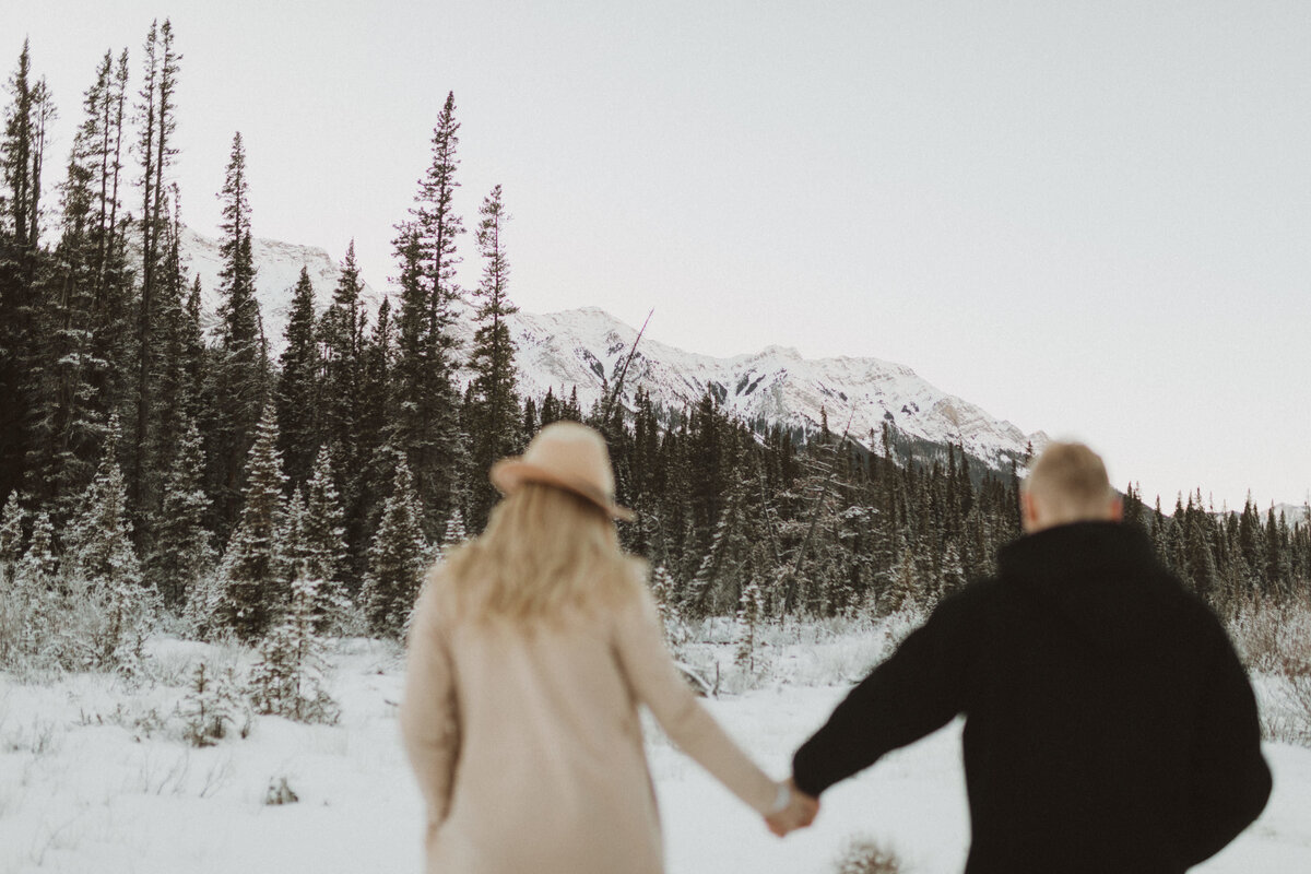 liv_hettinga_photography_canmore_mountain_engagement-5