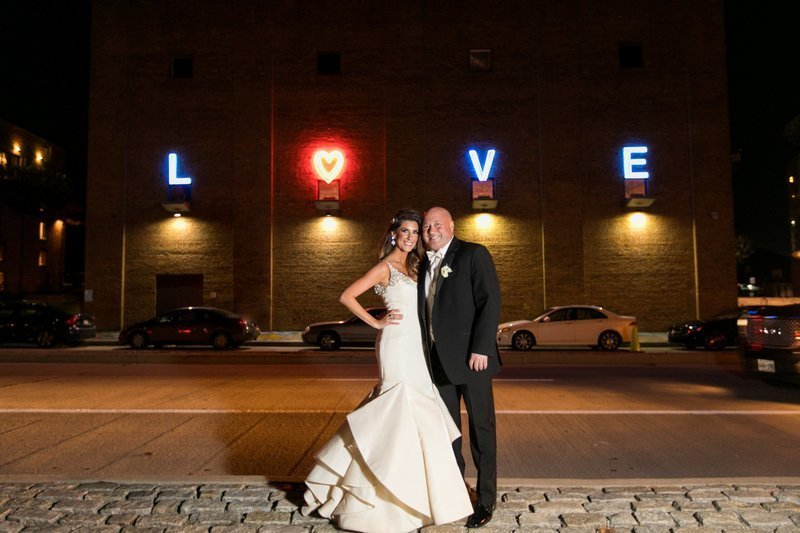 AVAM Wedding LOVE Sign Baltimore Wedding Photographer