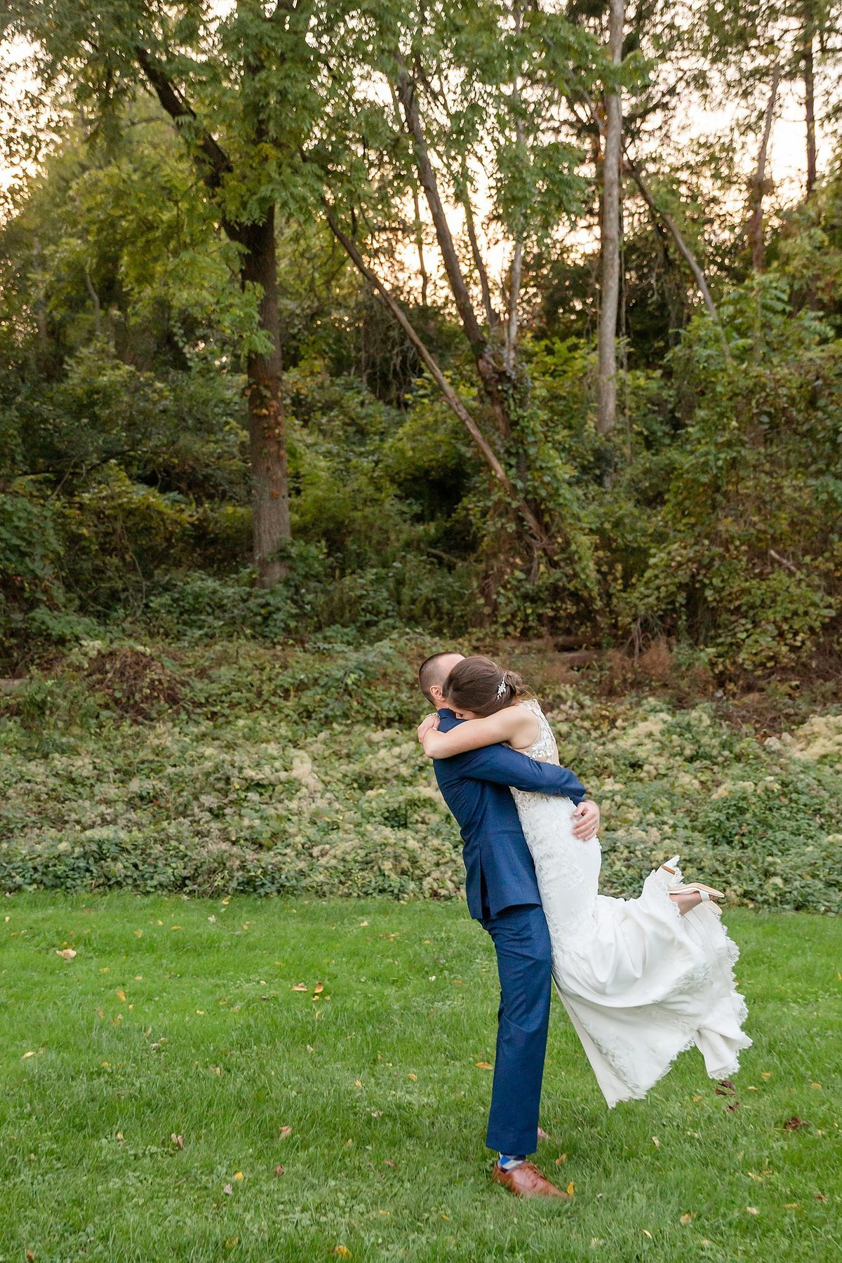 Romantic Windermere Manor Wedding | Dylan and Sandra Photography 136