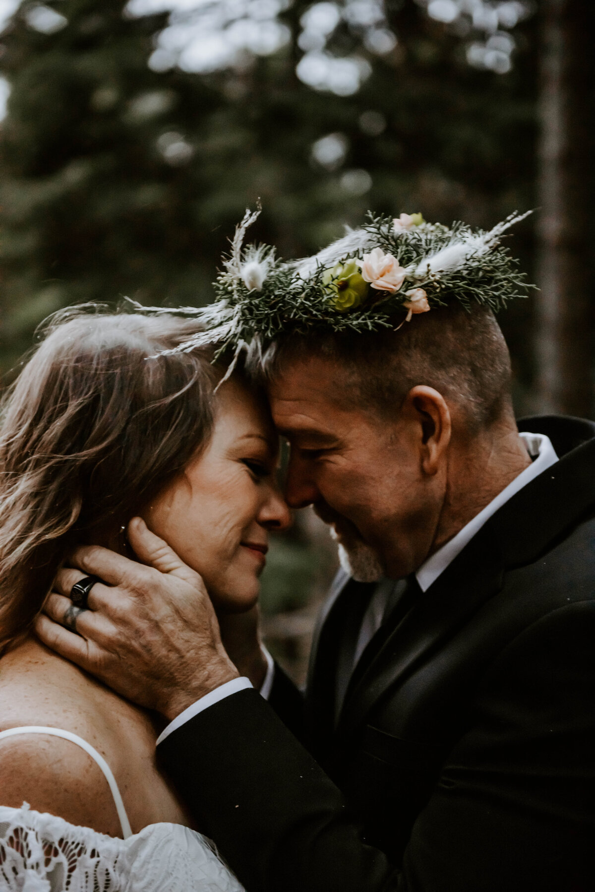 suttle-lake-sisters-oregon-lodge-woods-vow-renewal-photographer-wedding-elopement-3176