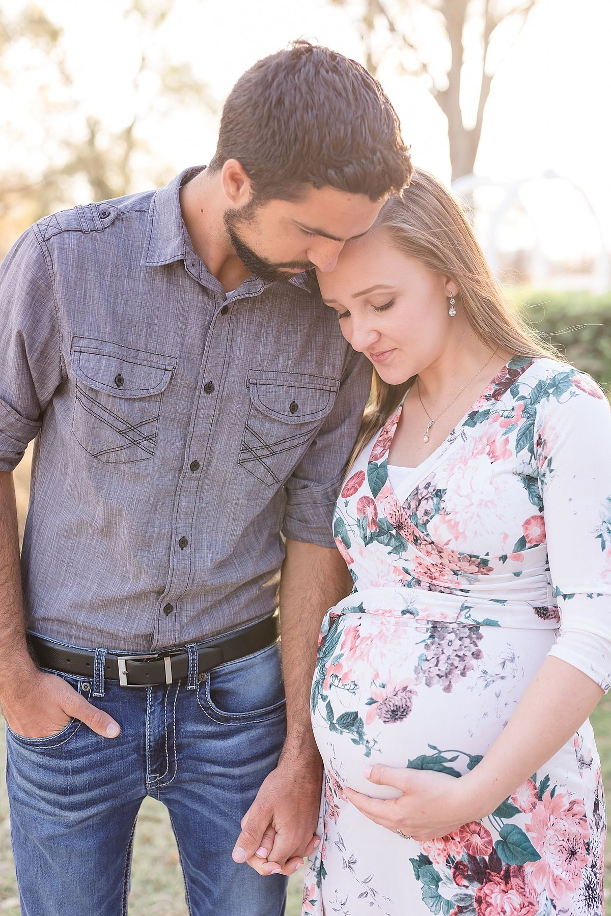 kissimmee lakefront park maternity photo