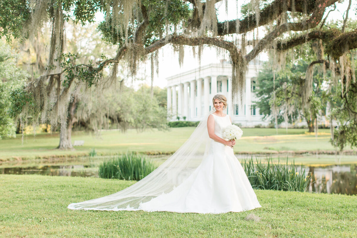 Renee Lorio Photography South Louisiana Wedding Engagement Light Airy Portrait Photographer Photos Southern Clean Colorful12