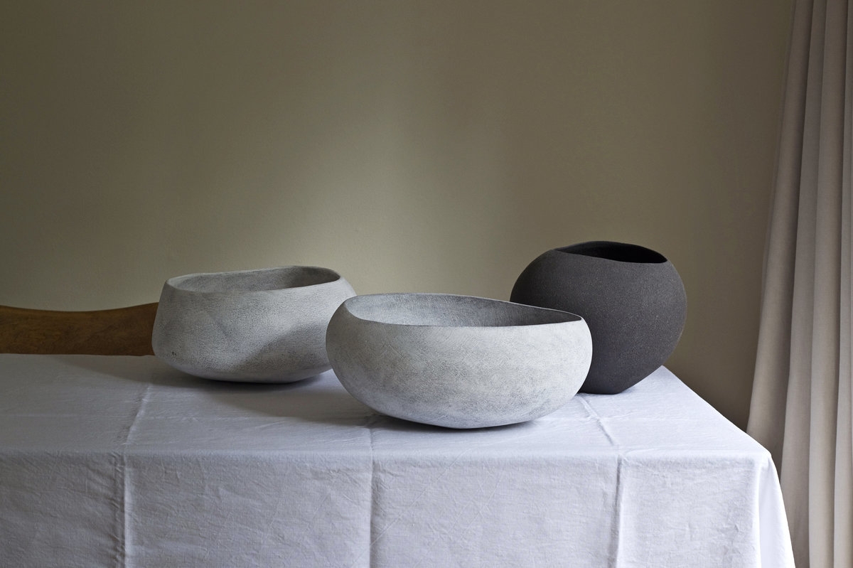 Yasha-Butler-Ceramic-Lithic-Vessel-Bowl-White-Black-Brown-07-2018-4963-3500px