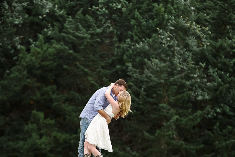 Nicole Woods Photography - Austin Texas Engagement Photographer - Copyright 2016 - 2160-2