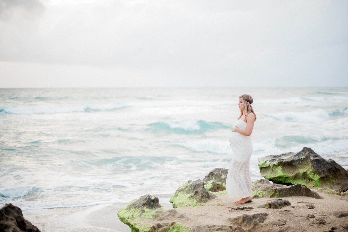 stuart maternity photographer _ beach maternity pictures _ tiffany danielle photography _ house of refuge _ beach _ maternity pictures (2)