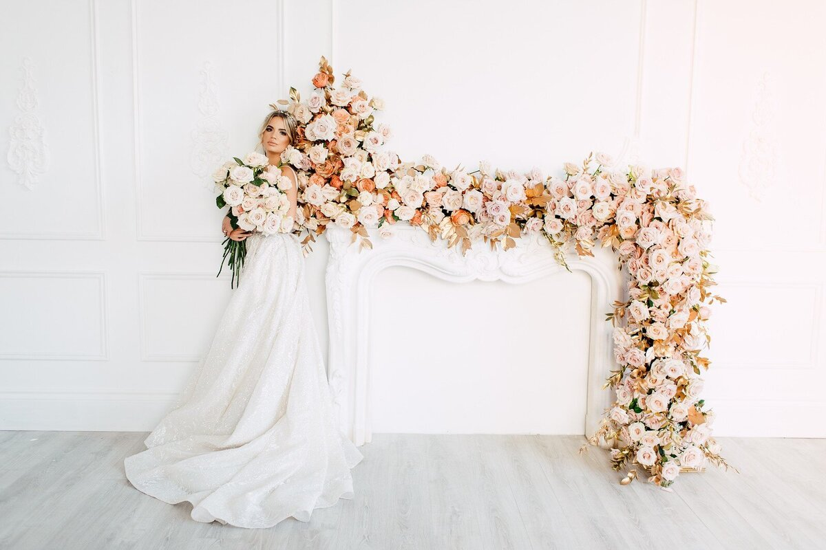 CoralPinkGoldWedding-COCObyCoversCouture-TorontoWeddingFlowers-PT.jpg27