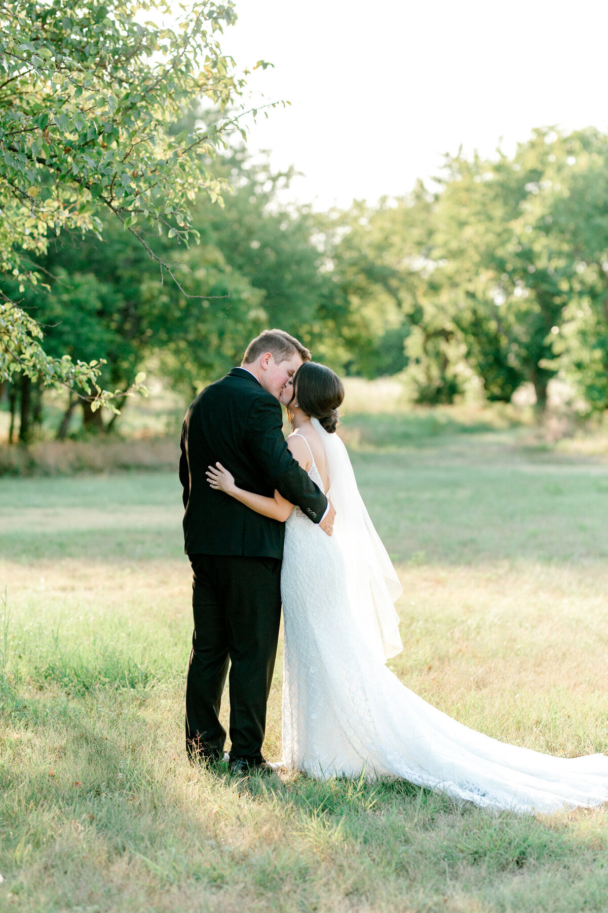 Anna & Billy's Wedding at The Nest at Ruth Farms | Dallas Wedding Photographer | Sami Kathryn Photography-166