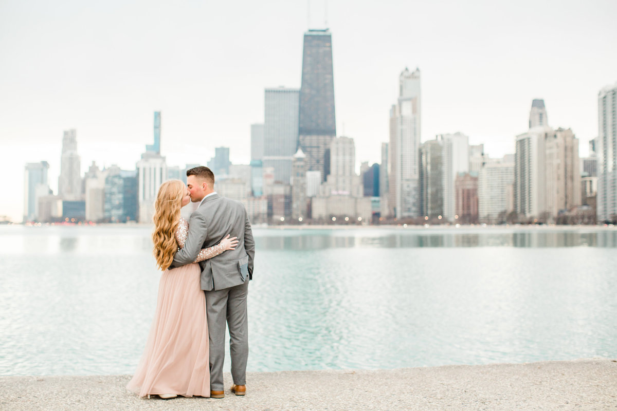 lindsey-taylor-photography-north-avenue-beach-chicago-engagement-photographer11