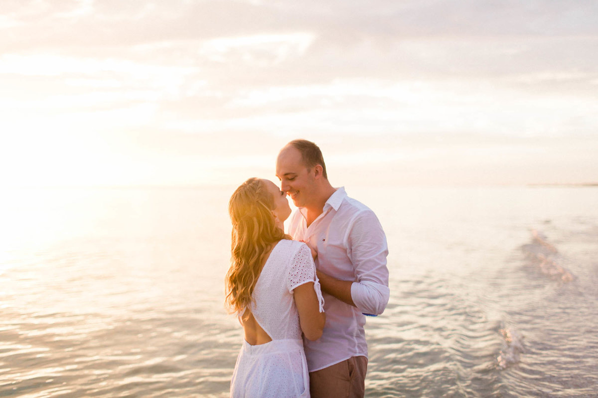 naples-florida-wiggins-beach-engagement-photos-1009