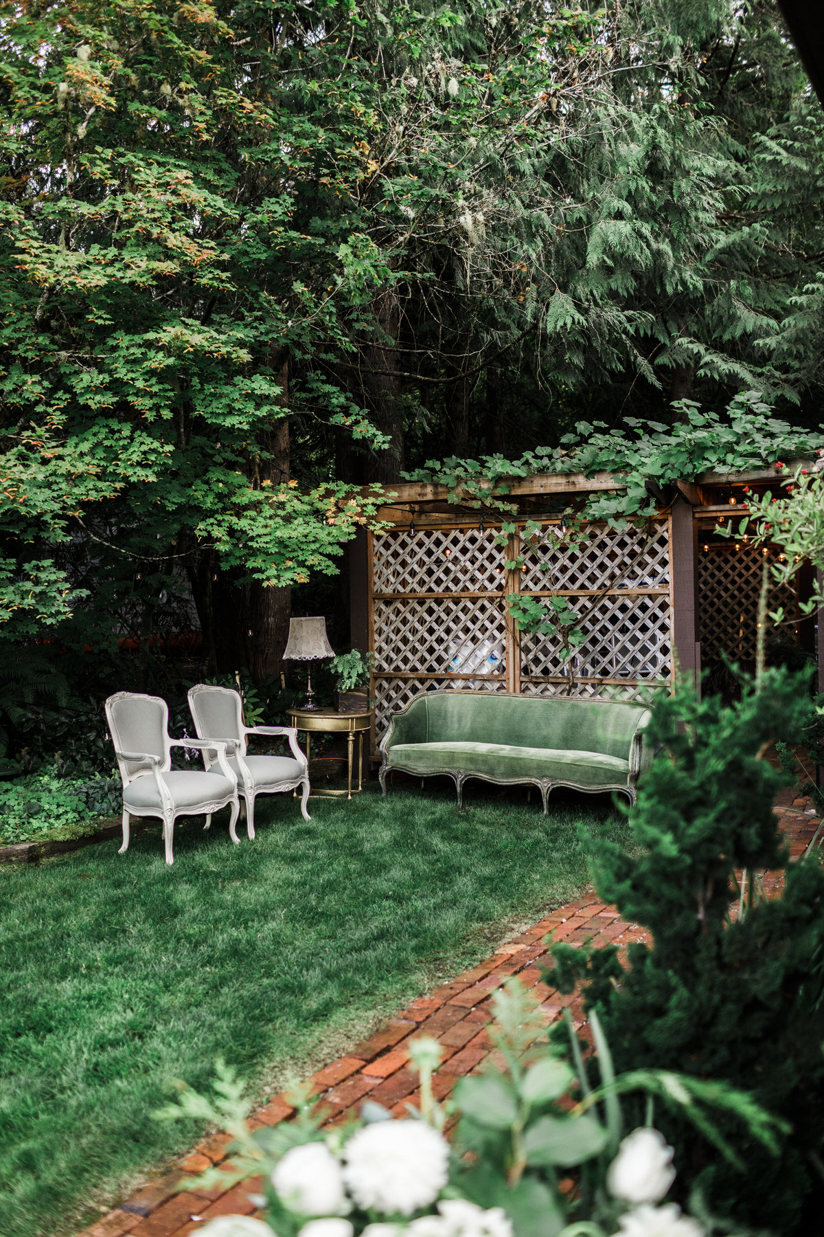 Seattle-Intimate-Backyard-Wedding-Seattle-Wedding-Photographer-112