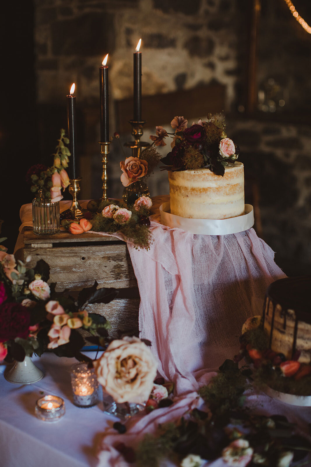 Ireland & US Wedding Planner, reception table with cake