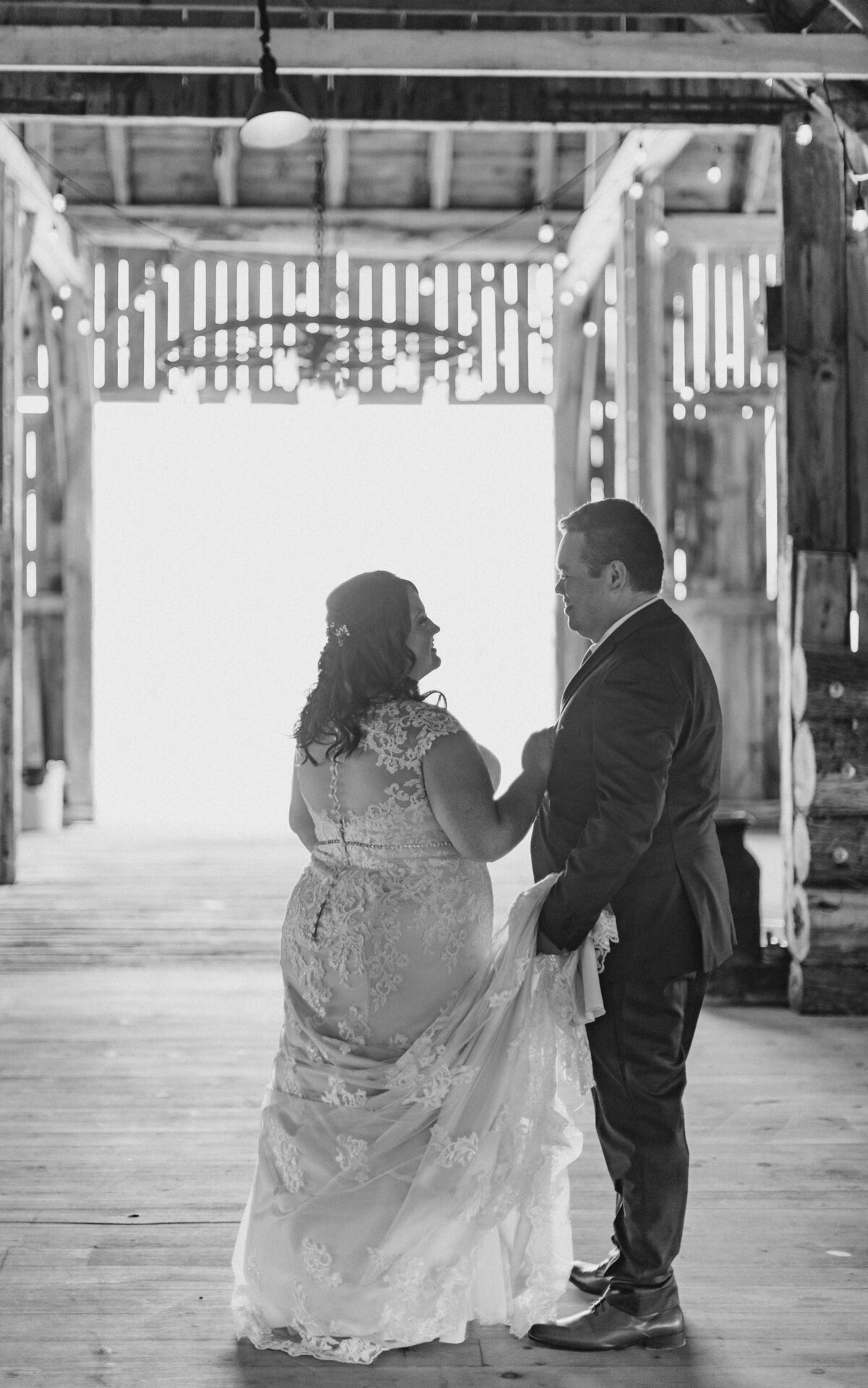 laura-ben-campbell-farm-white-lake-wedding-grey-loft-studio-2020-132