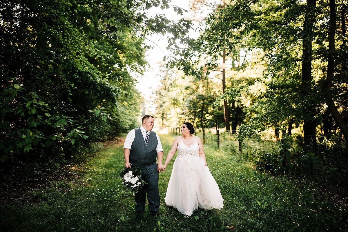 sam-yoder-farm-wedding-houston-delaware-rebecca-renner-photography_0068