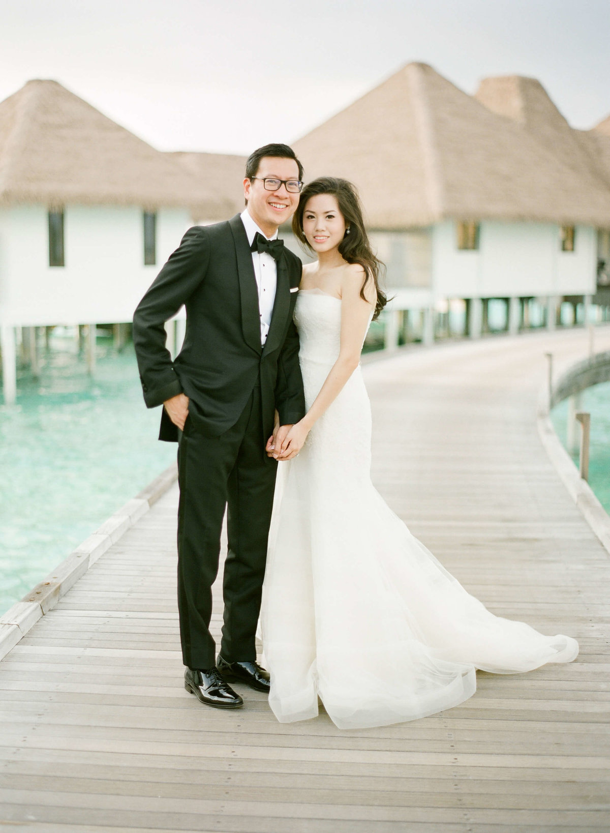 4-KTMerry-fine-art-wedding-couple-Maldives