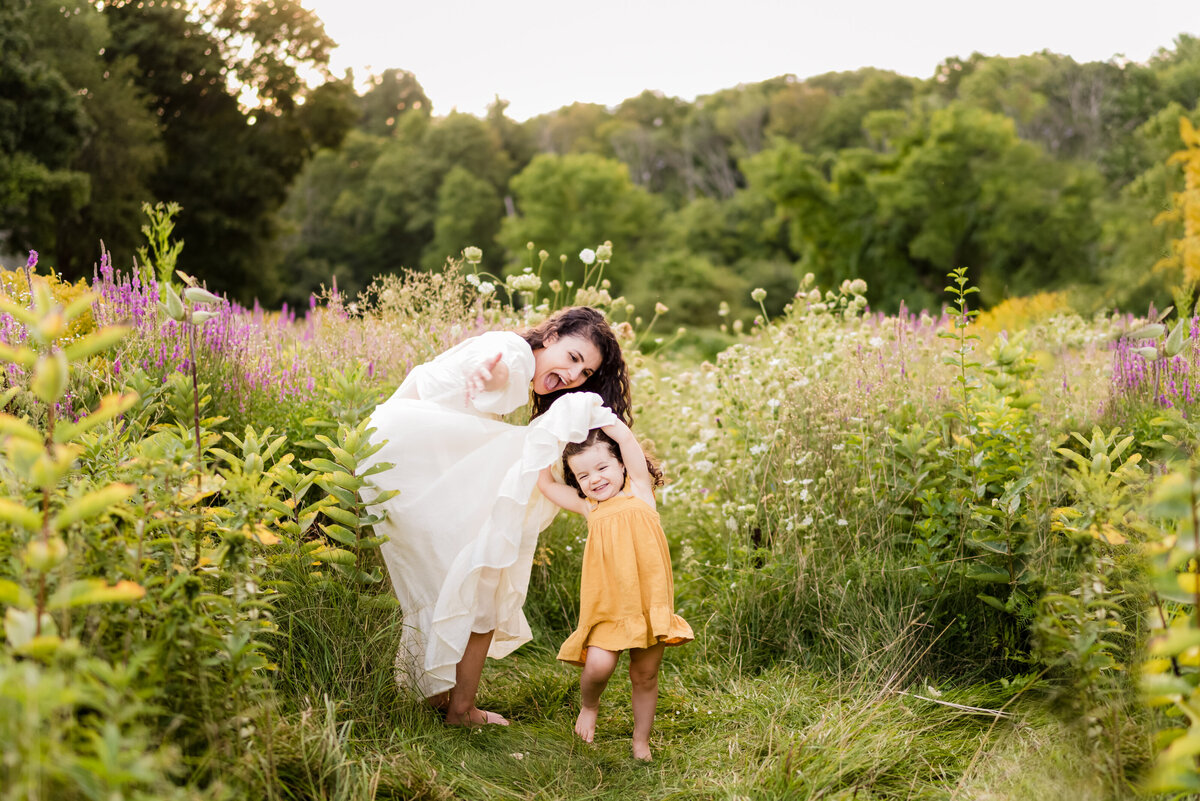 Boston-family-photographer-bella-wang-photography-Lifestyle-session-outdoor-wildflower-81