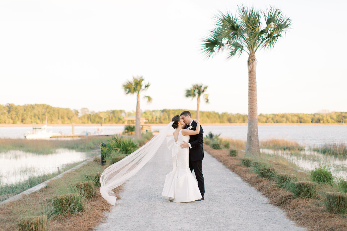 Powell_Oldfield_River_Club_Bluffton_South_Carolina_Beaufort_Savannah_Wedding_Jacksonville_Florida_Devon_Donnahoo_Photography_0947