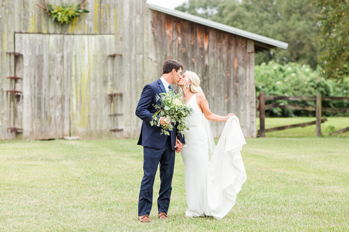 Renee Lorio Photography South Louisiana Wedding Engagement Light Airy Portrait Photographer Photos Southern Clean Colorful76