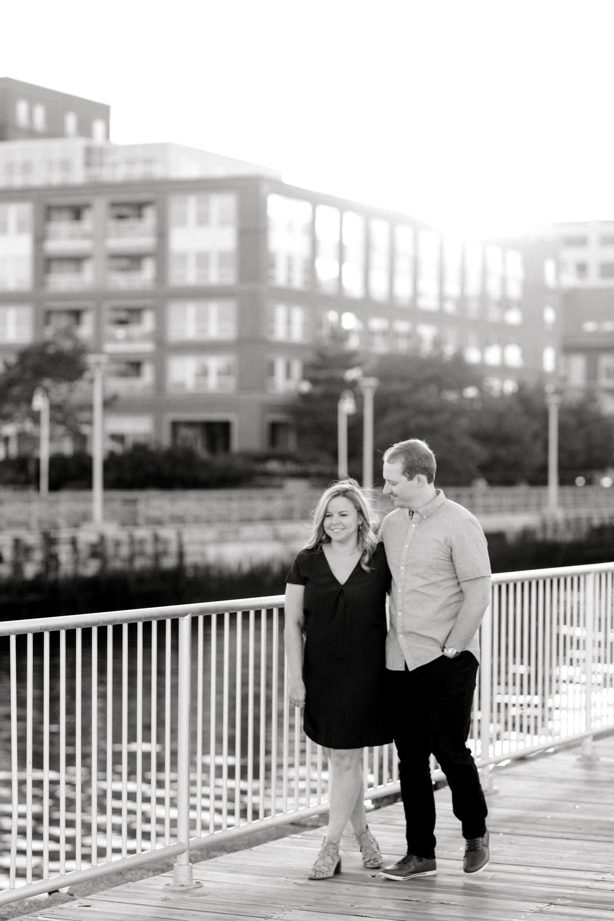 boston-wedding-photographer-charlestown-navy-yard-engagement-photo_0010