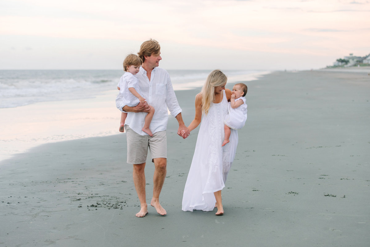 Family Pictures at Debordieu Club in Georgetown SC by Pasha Belman Photographer
