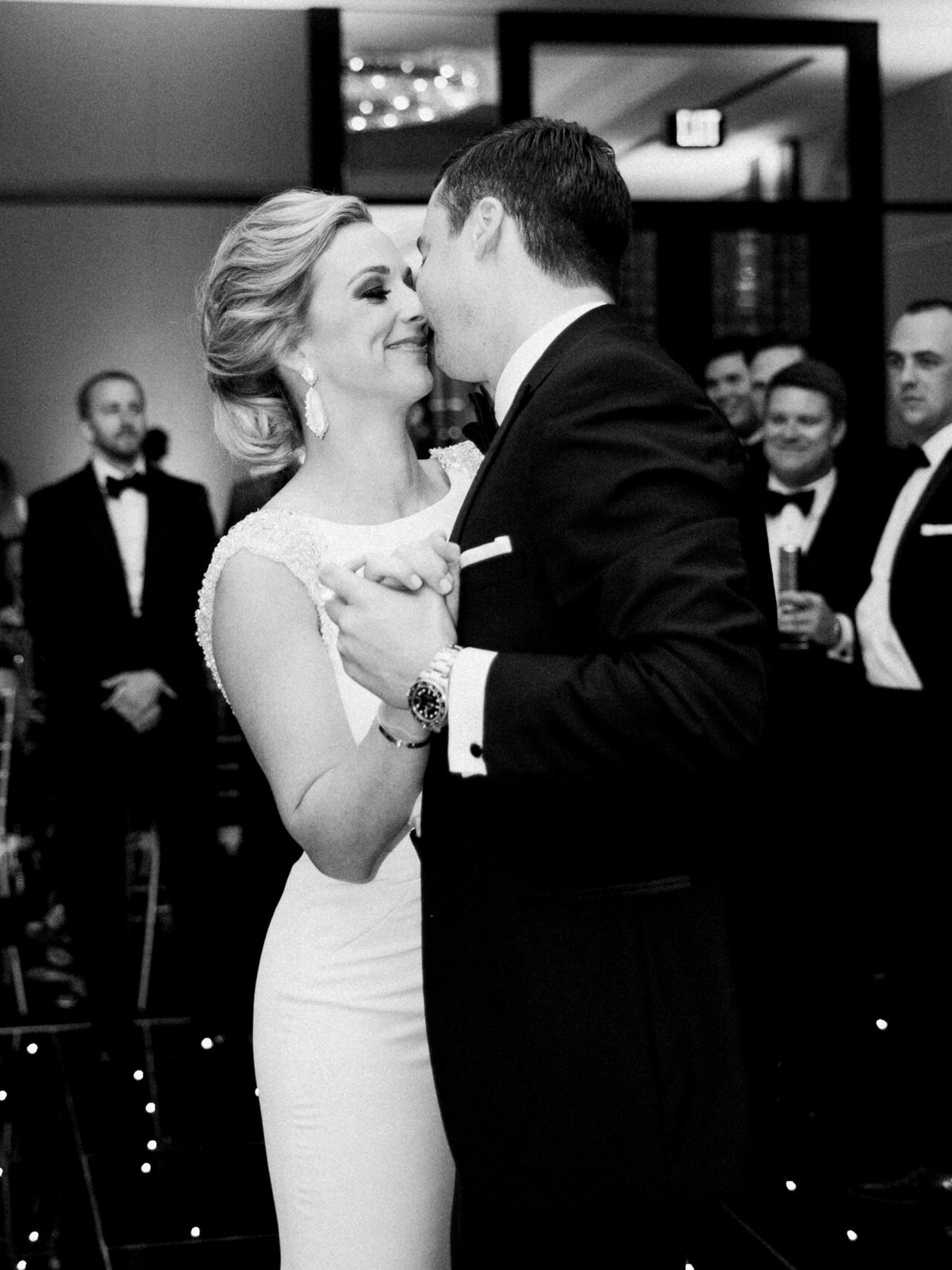 Courtney Hanson Photography - Modern wedding at The Joule-3172