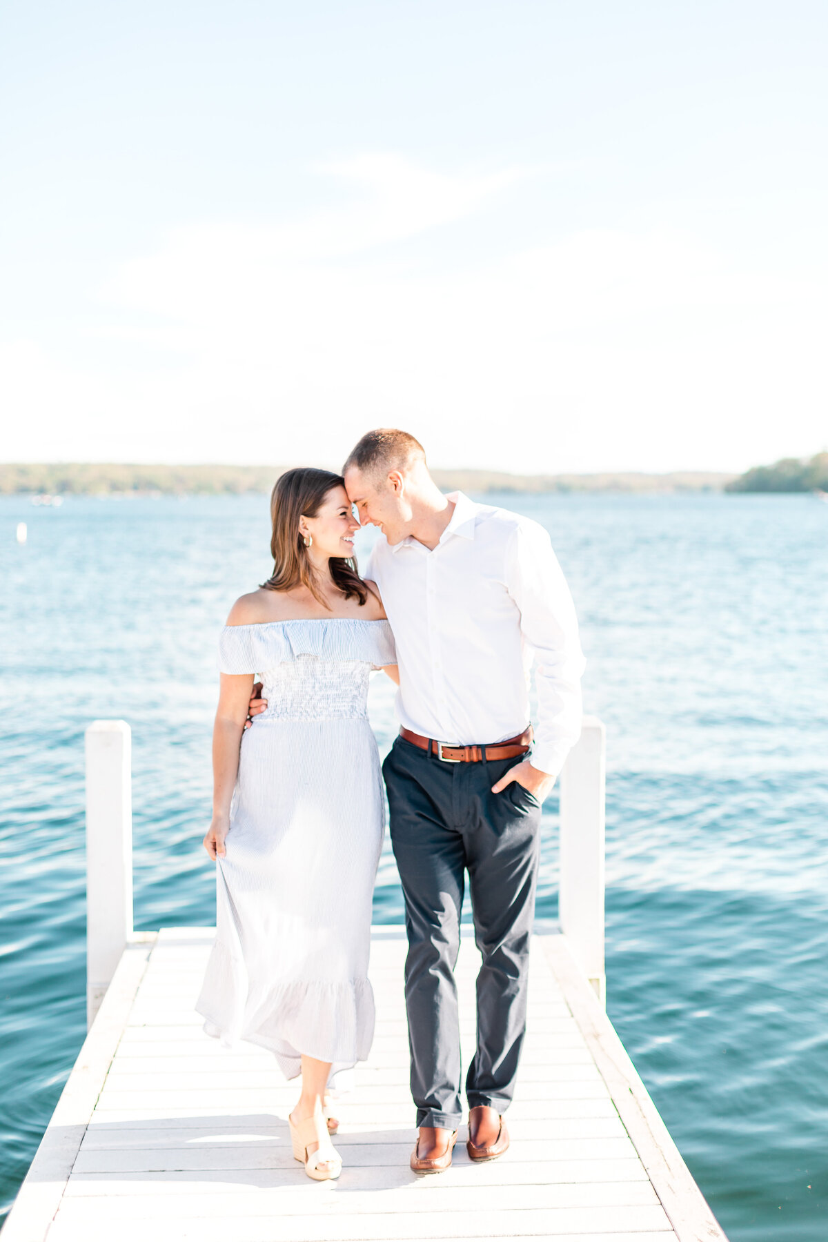 Lake Geneva Engagement Photographer 110670