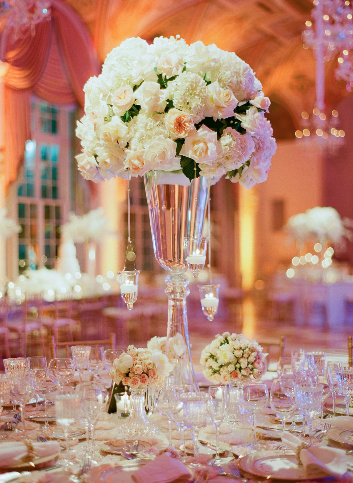34-KTMerry-weddings-table-arrangement-Breakers-Palm-Beach
