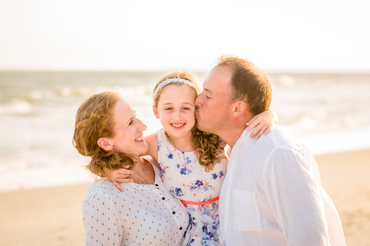 Frederick_Maryland_Family_Photographer_Mom_Dad_girl
