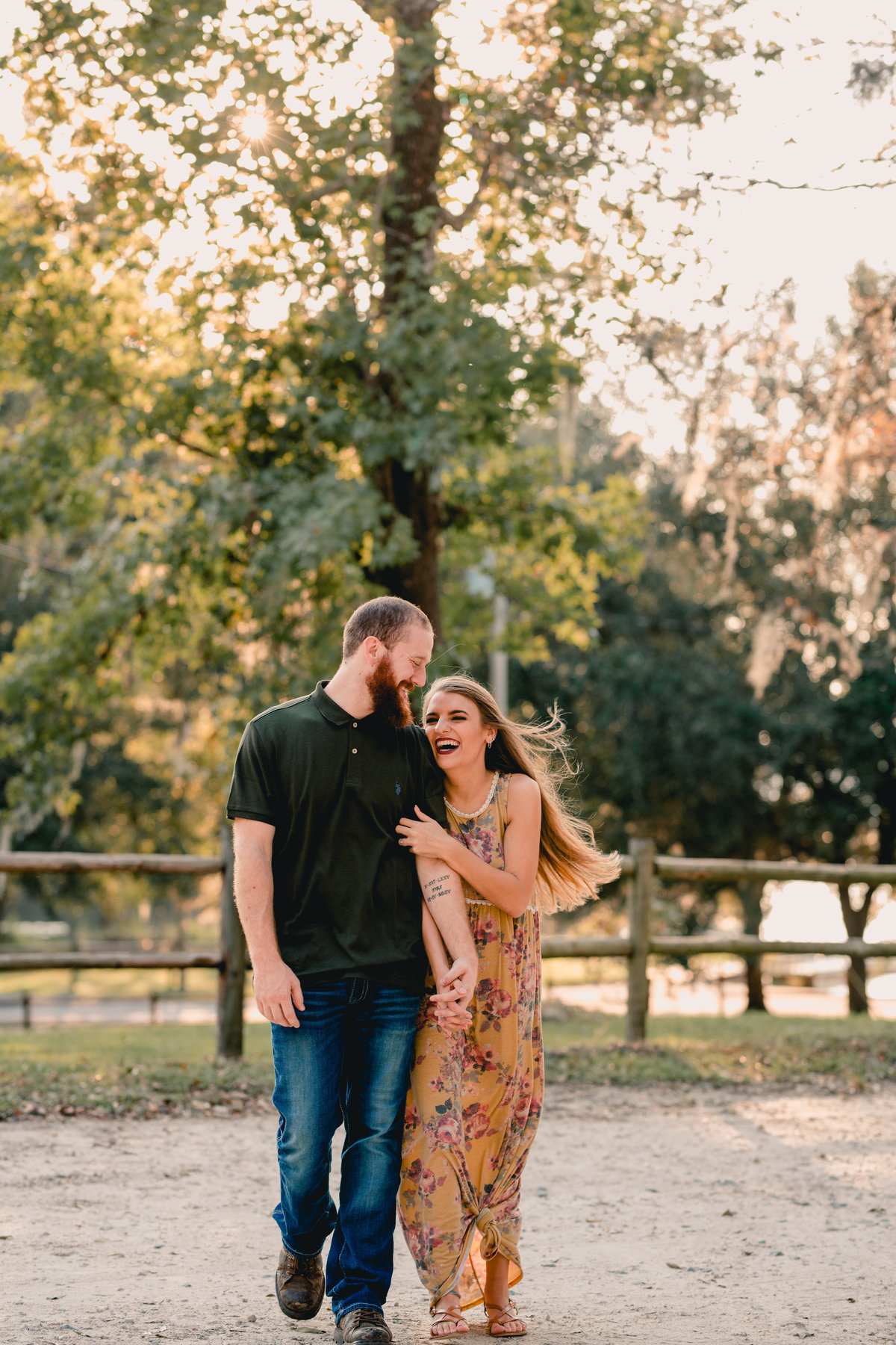 Natural light photographer specializing in couples and weddings in north florida