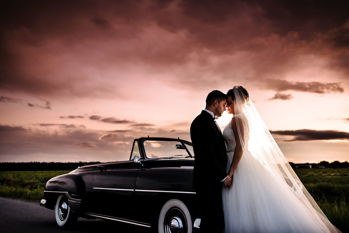bride and groom sunset portrait in el paso by stephane lemaire photography