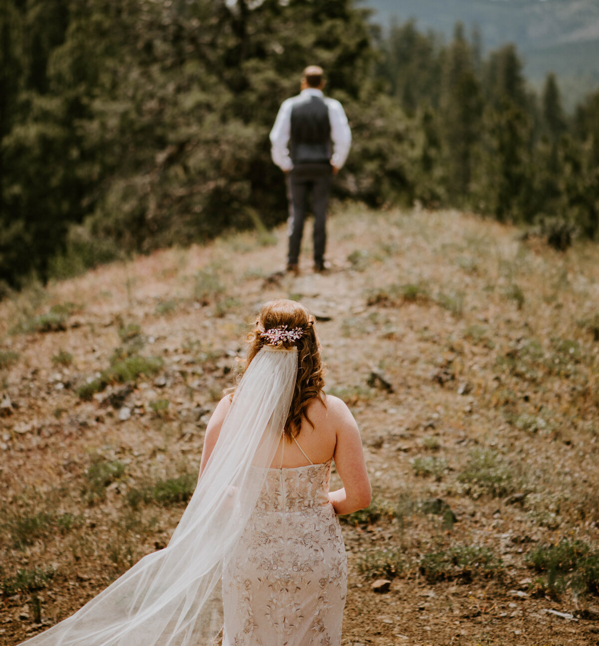 ochoco-forest-central-oregon-elopement-pnw-woods-wedding-covid-bend-photographer-inspiration2030