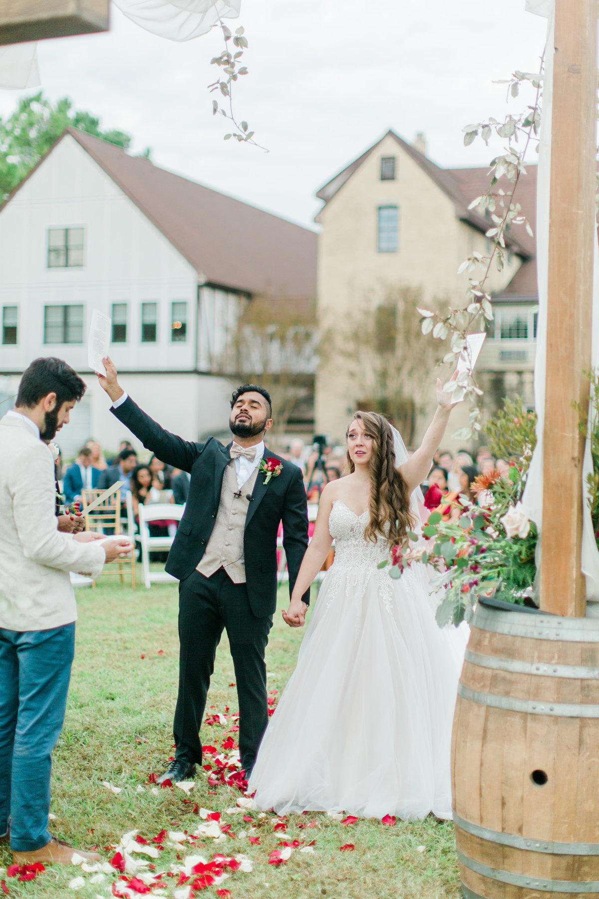 Williamsburg_Winery_Fall_Wedding_Virginia_DC_Photographer_Angelika_Johns_Photography-0040