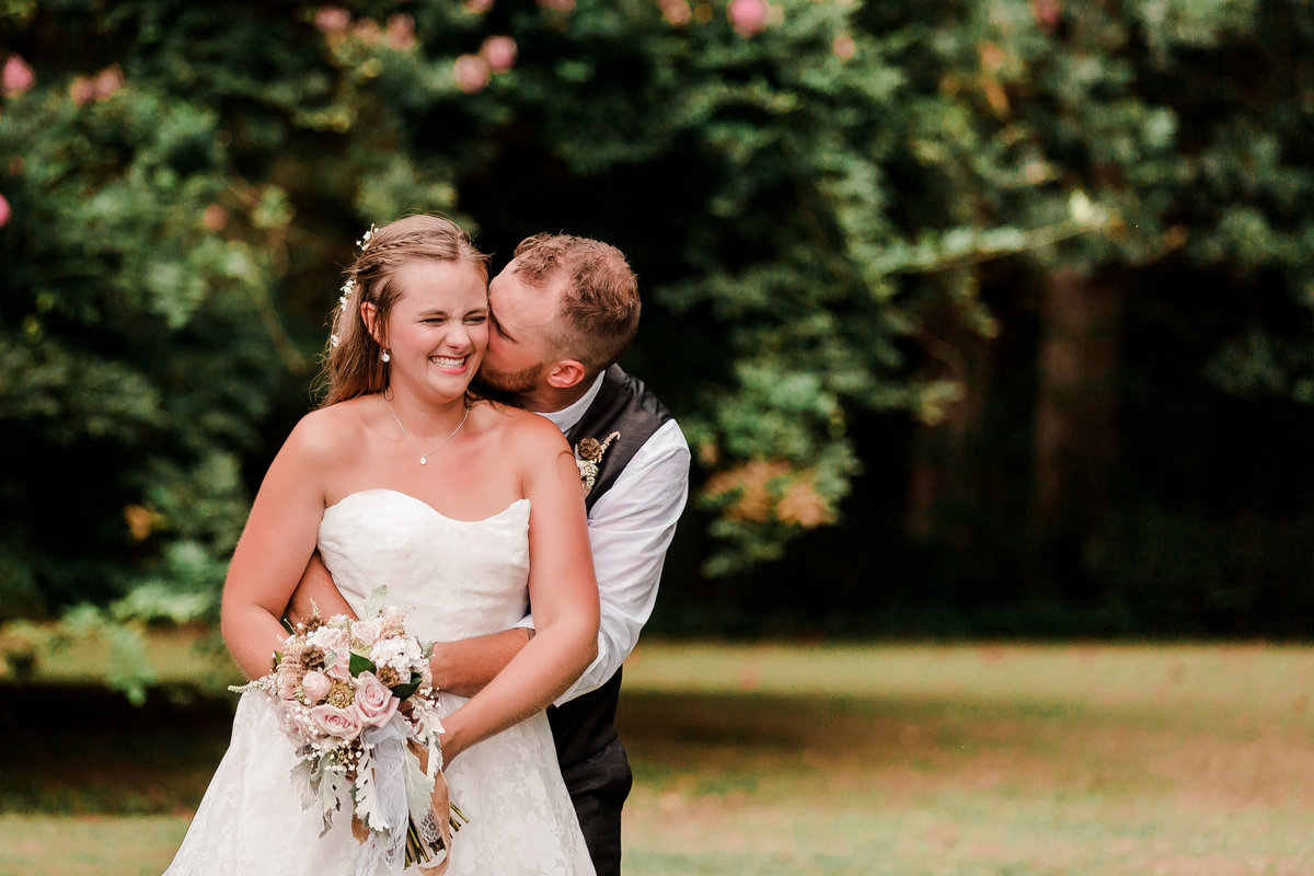 sharonelizabethphotography-surryvirginiawedding-rusticbackyardwedding-richmondvirginiaoutdoorwedding2395_pp