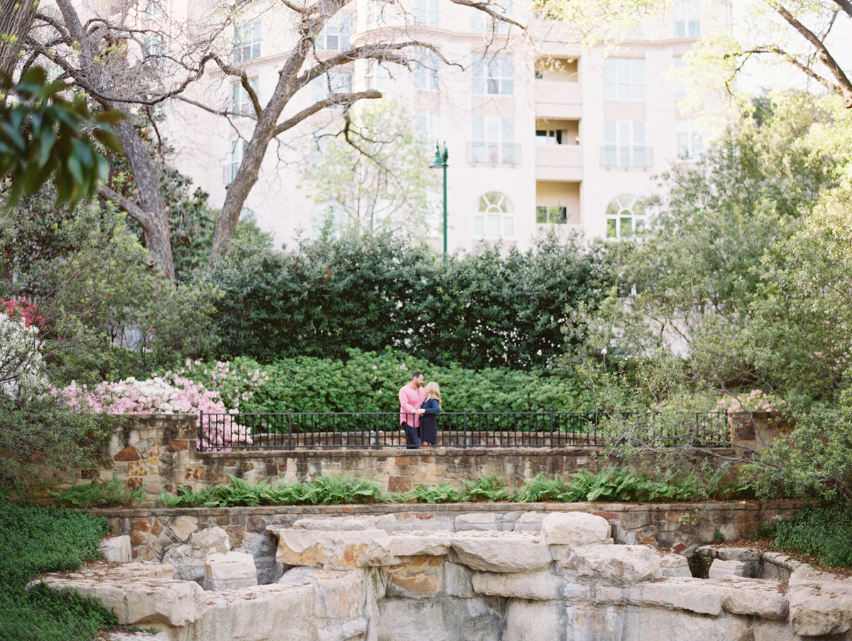 Courtney Hanson Photography - Dallas Spring Engagement Photos-010