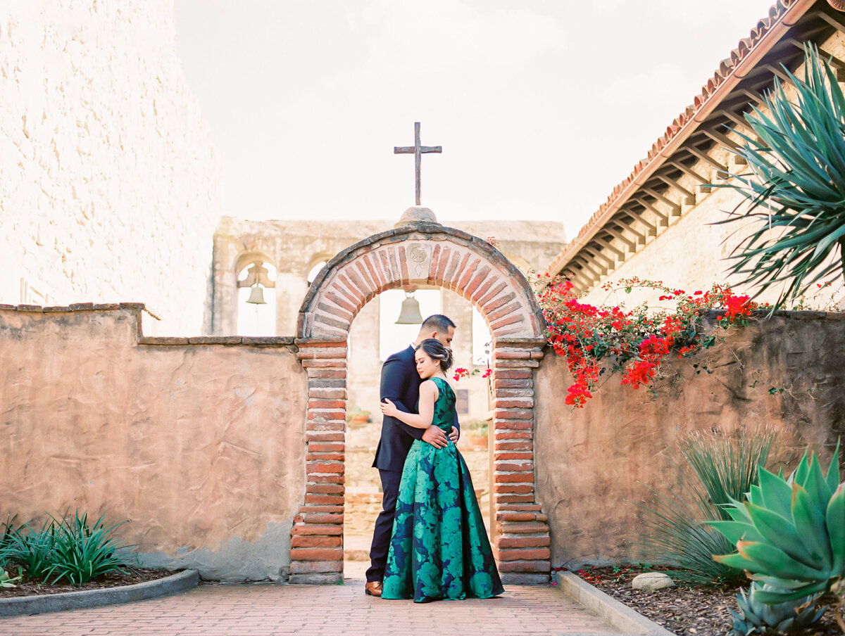 Missions-San-Juan-Capistrano-Engagement-Photo-Film-Babsie-Ly