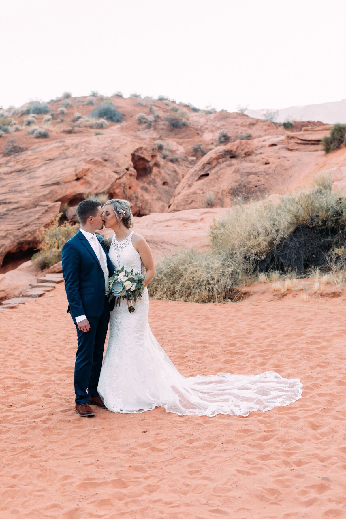 Heather+Ivan|AshlynSavannahPhoto|ValleyofFireElopement-32