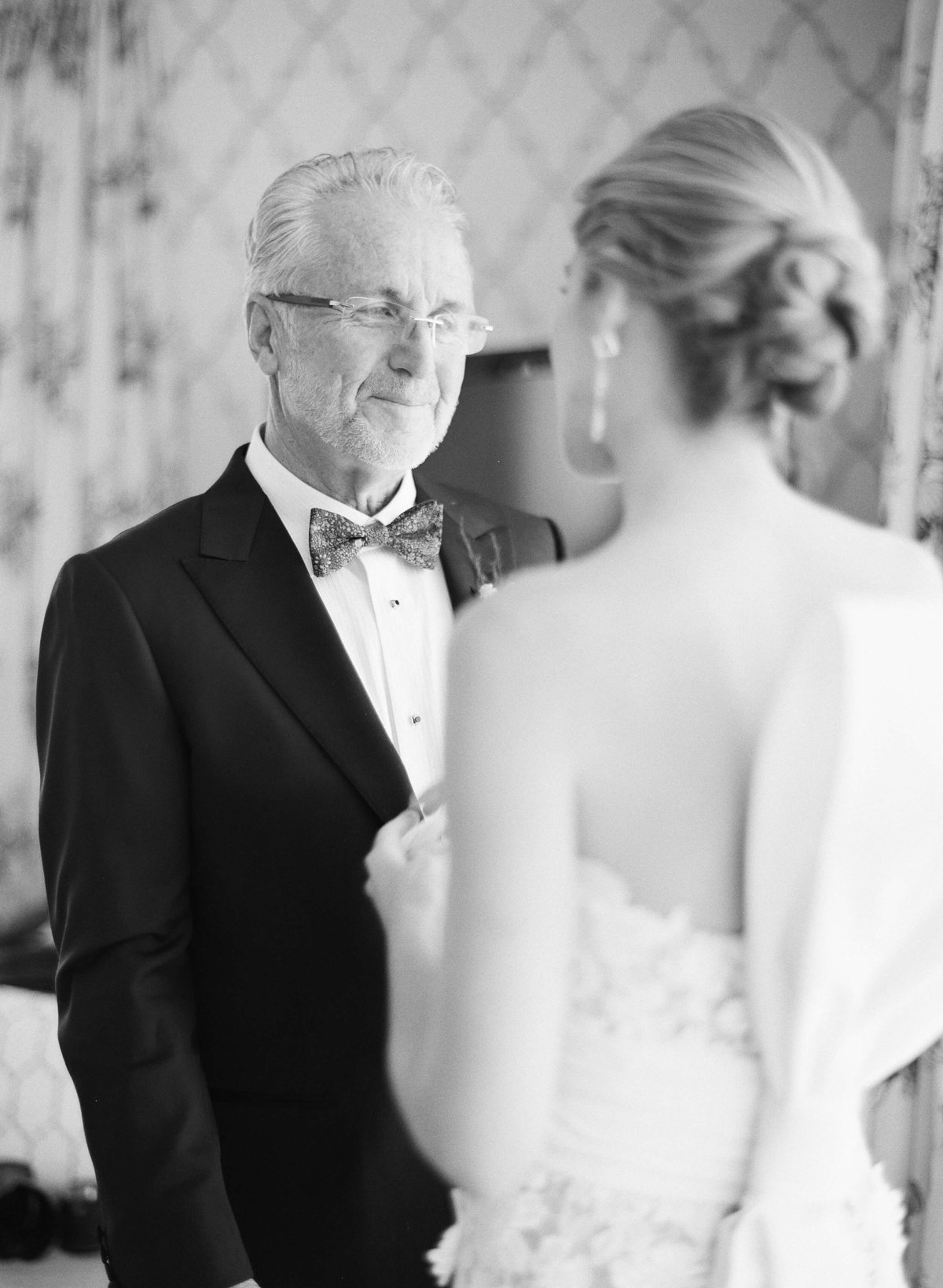 11-KTMerry-weddings-father-bride-black-white