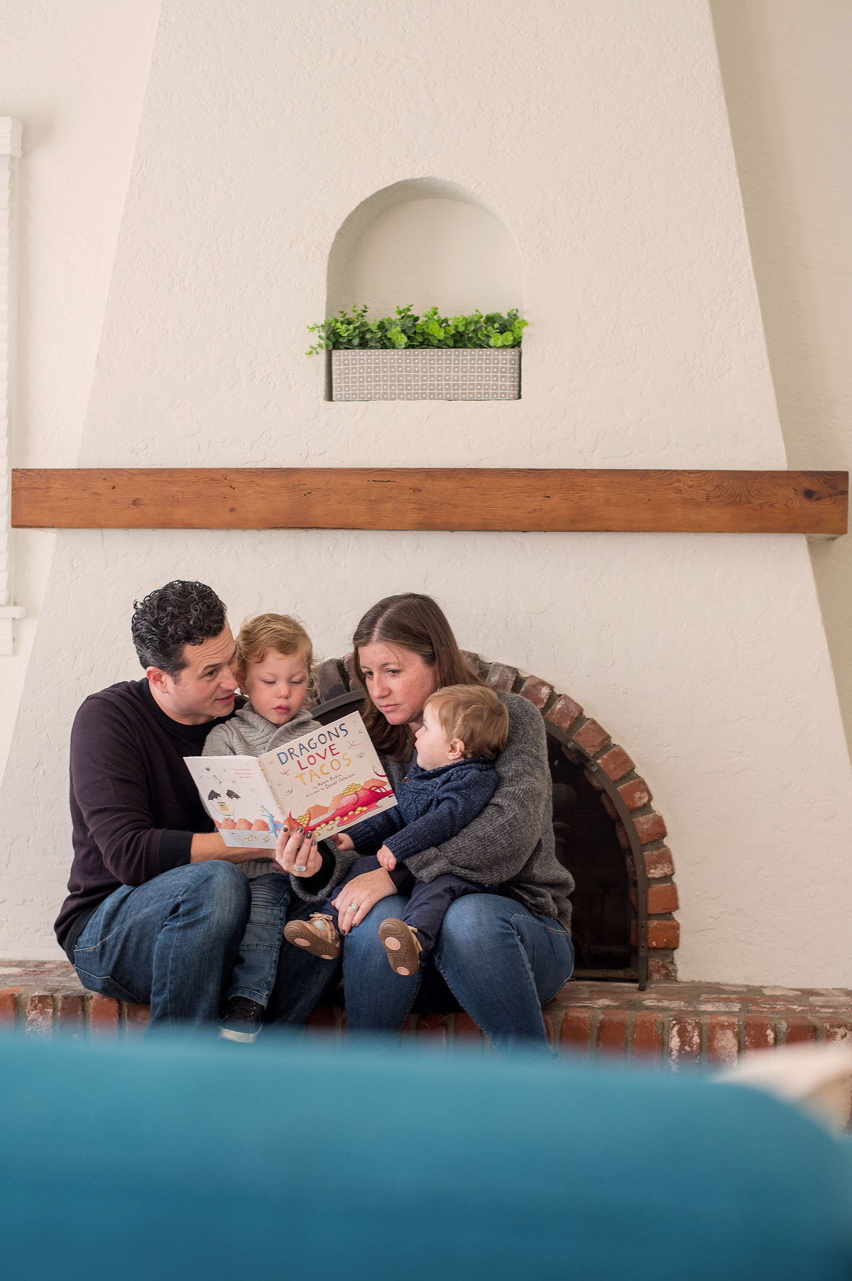 Indoor Lifestyle Family of four Session
