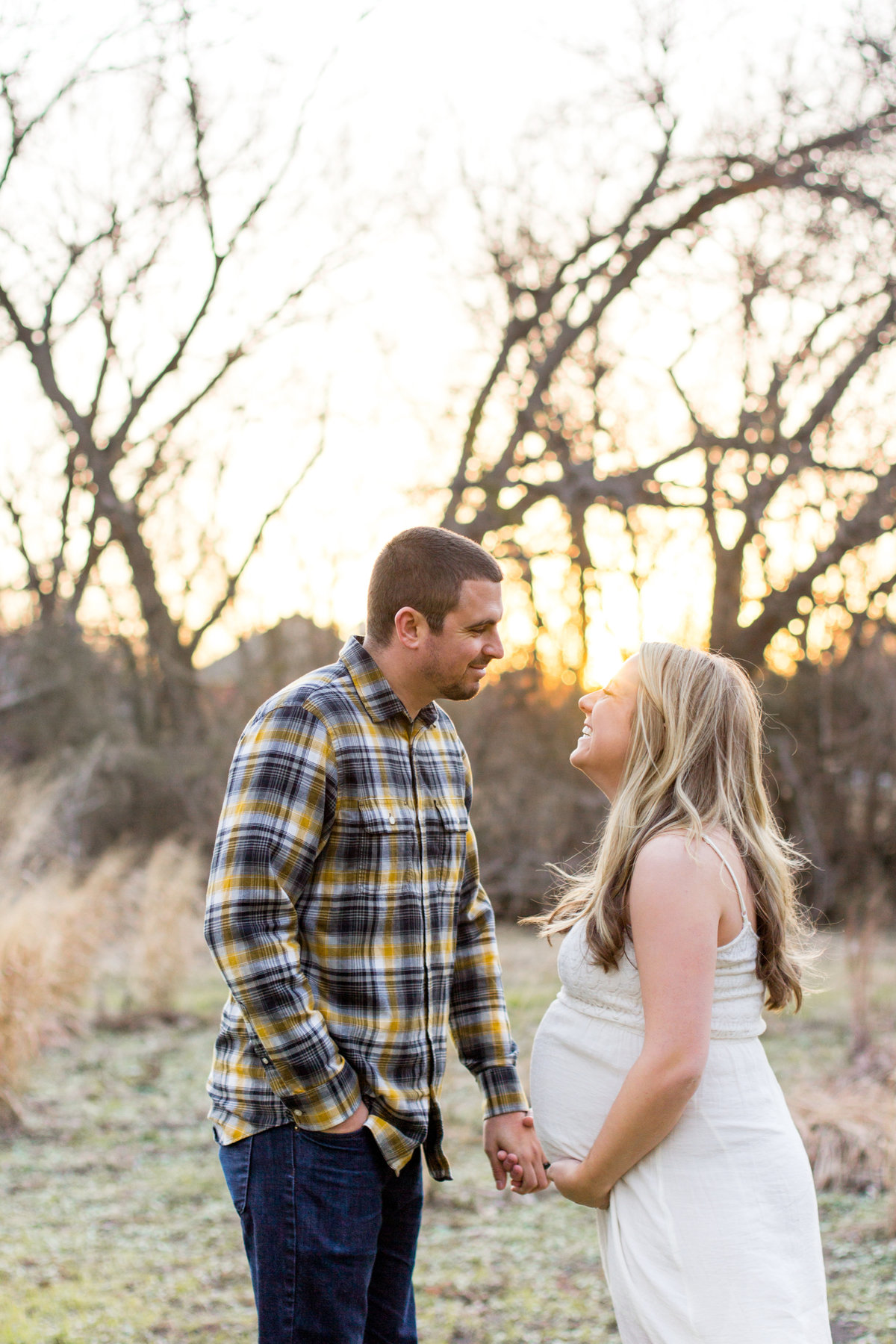 maternity-couple-sunset-texas