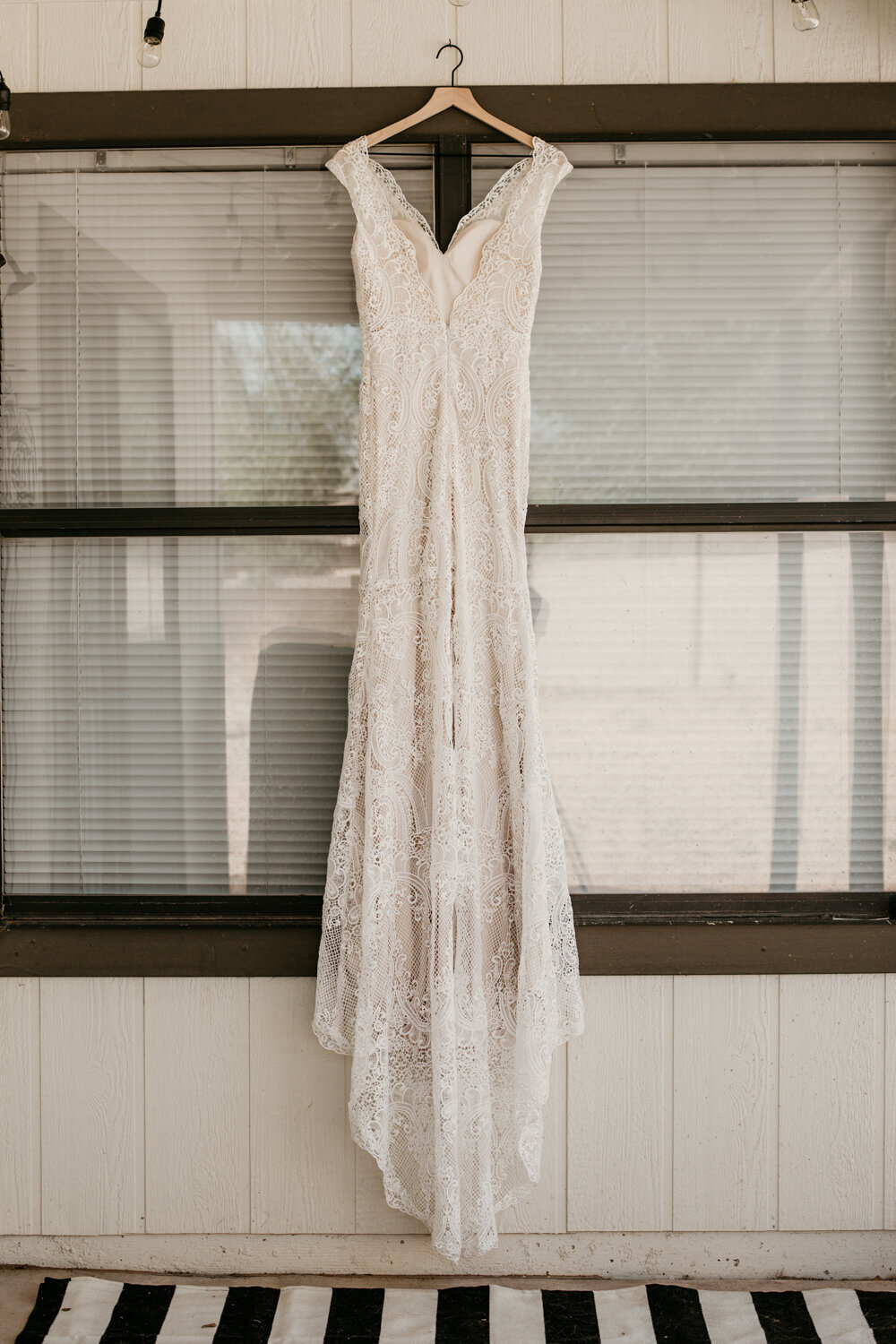 wedding-dress-rentals-for-styled-shoots-elopement-photographer-4
