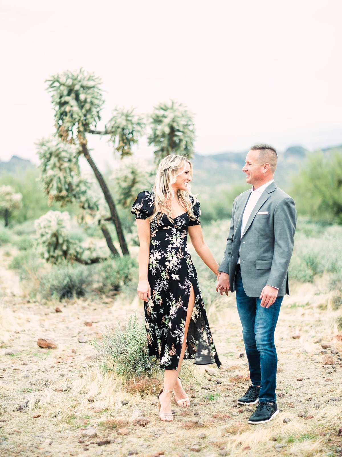 scottsdale-arizona-wedding-photographer-engagement-desert_0117