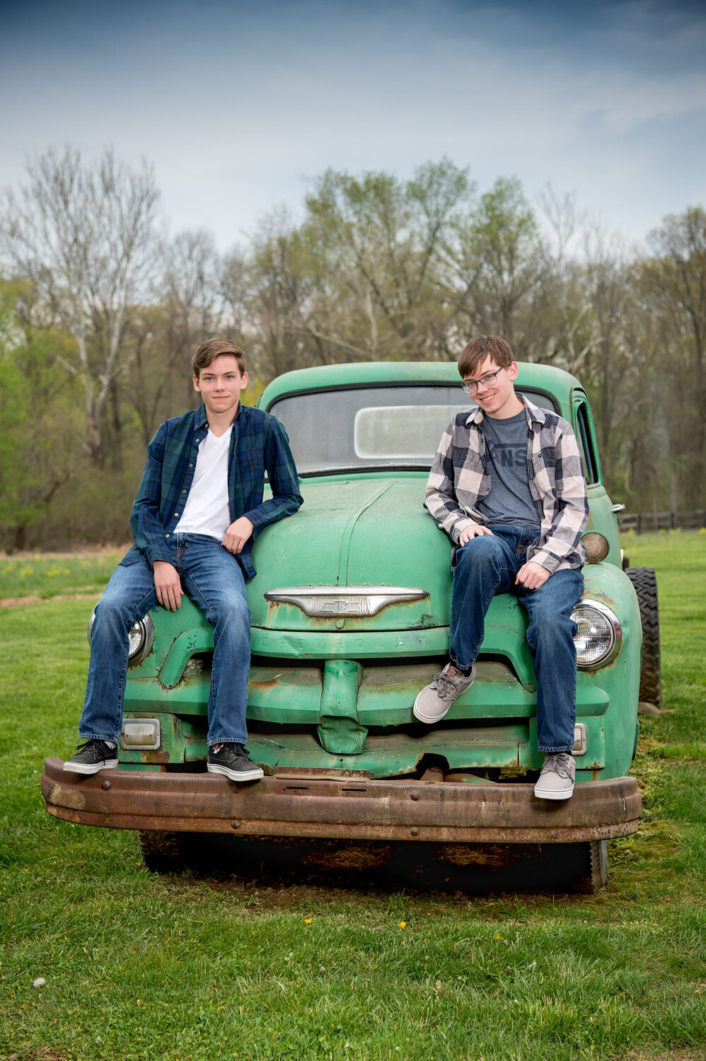 twin senior boys vintage pick up truck