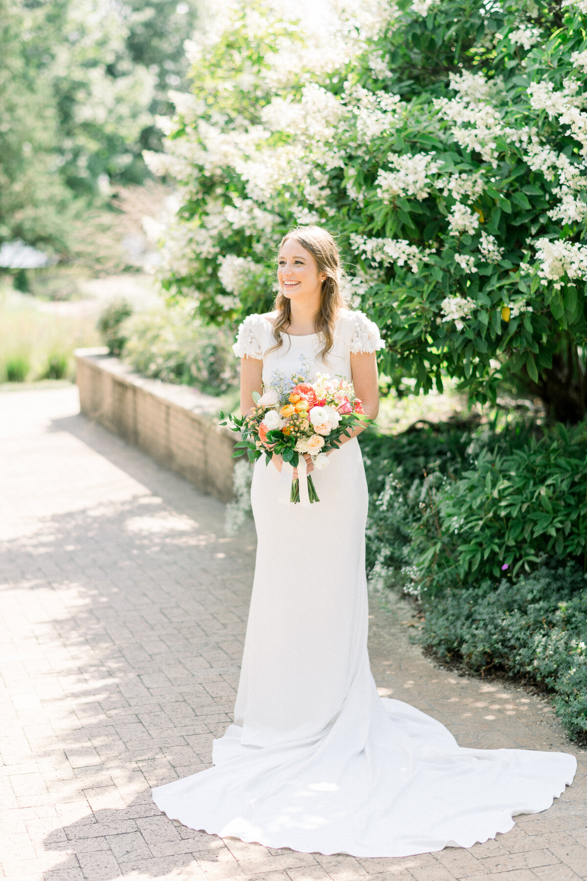 Minnesota Bride, Minnesota wedding photographer, Minneapolis wedding photographer, Wedding Dress, trish Allison photography, trish allison photography weddings, Light and airy photographer, MN wedding photographer