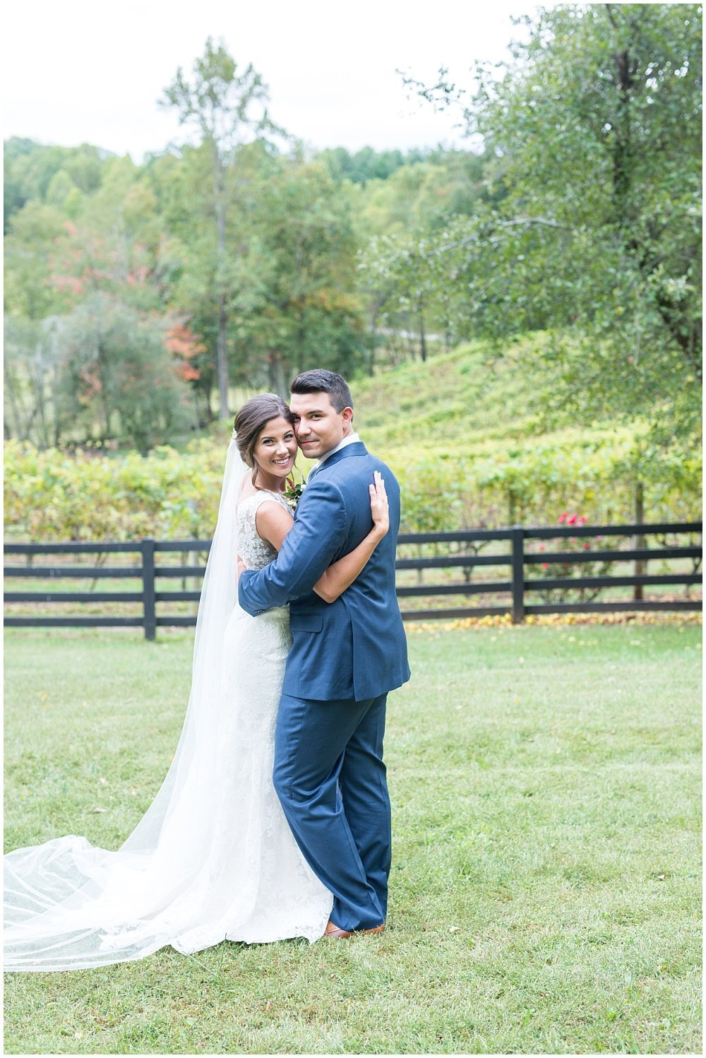 laura-barnes-photo-north-carolina-wedding-photographer-highlands-37-holly-high-vineyard19