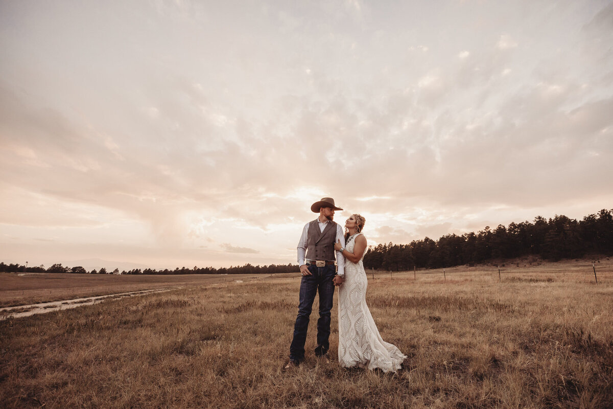 younger-ranch-wedding-Native-Roaming-Photography-70