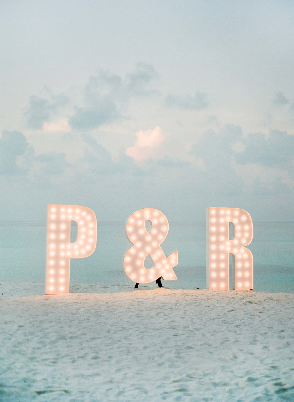 66-KTMerry-destinationwedding-beach-decor-initials-Maldives