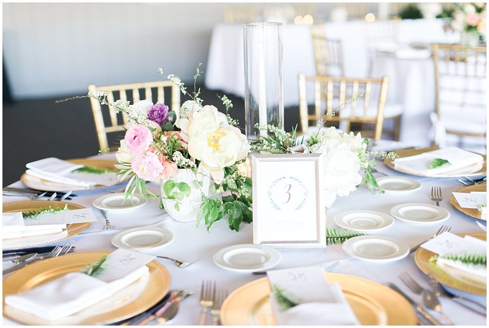 Spring-Floral-Willows-On-Westfield-Lodge-Wedding-Ivan-Louise-Images-Jessica-Dum-Wedding-Coordination_photo_0013