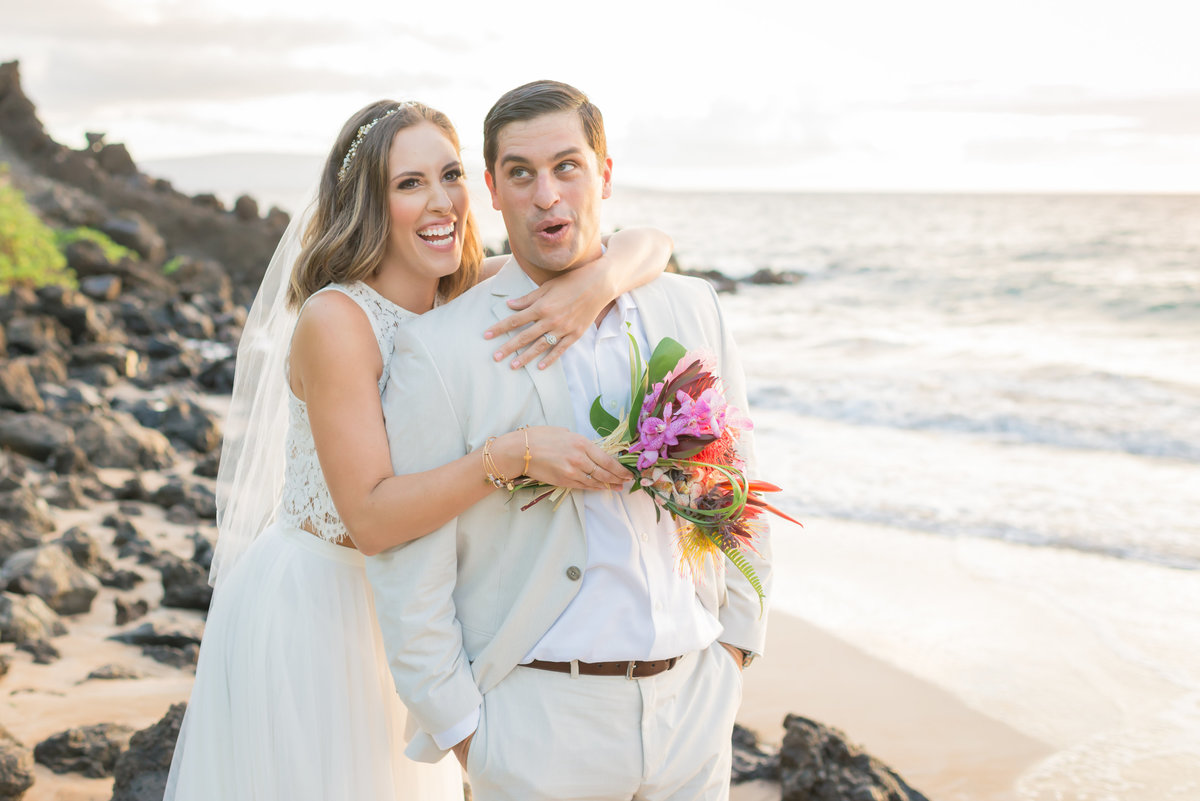 funny Maui bride and groom photo