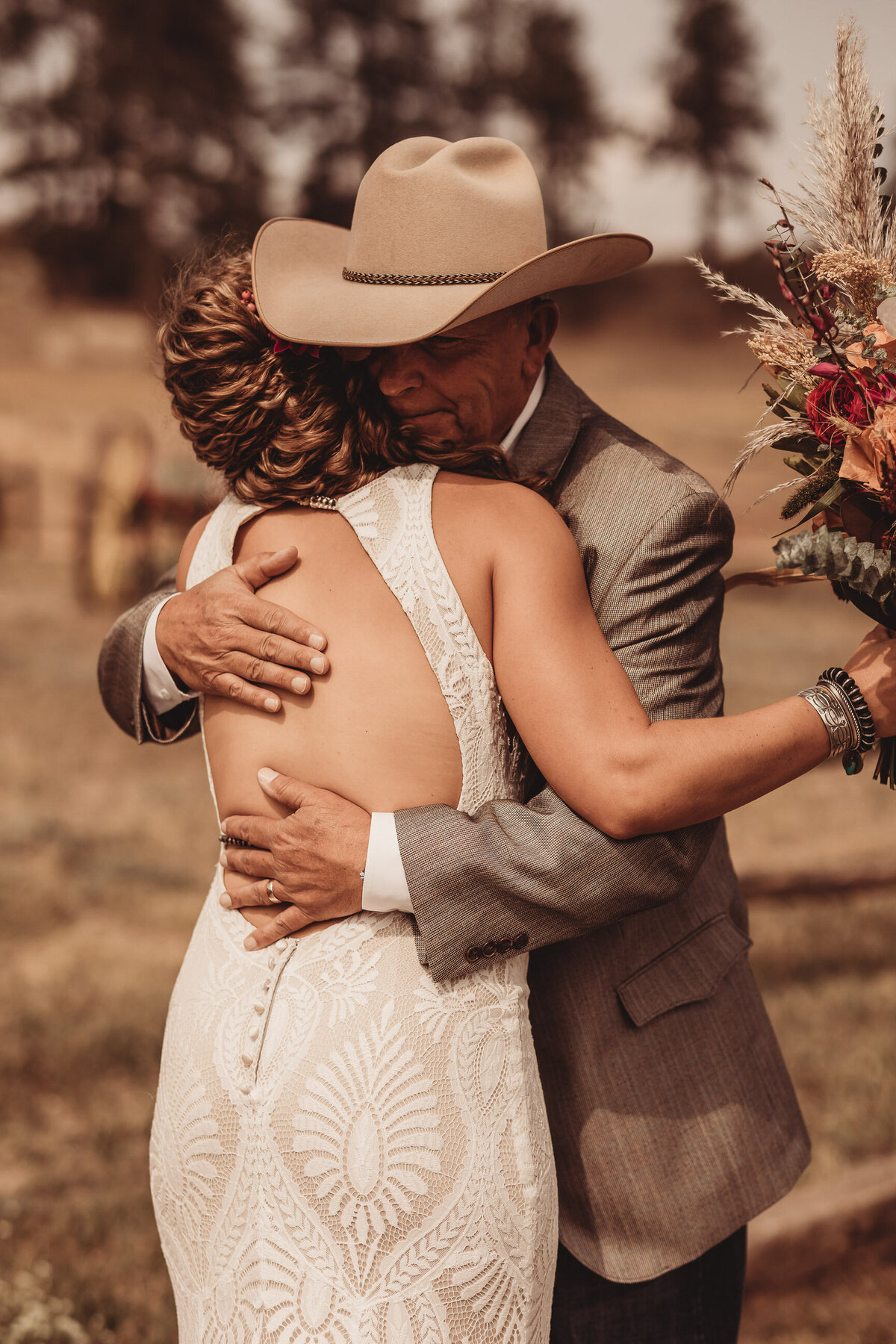 younger-ranch-wedding-Native-Roaming-Photography-20