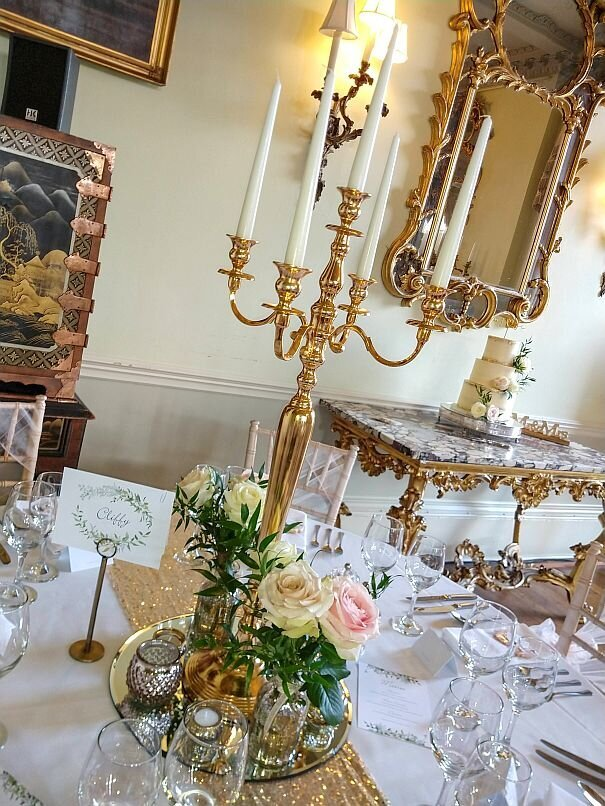 Blush and gold candelabra wedding (7)