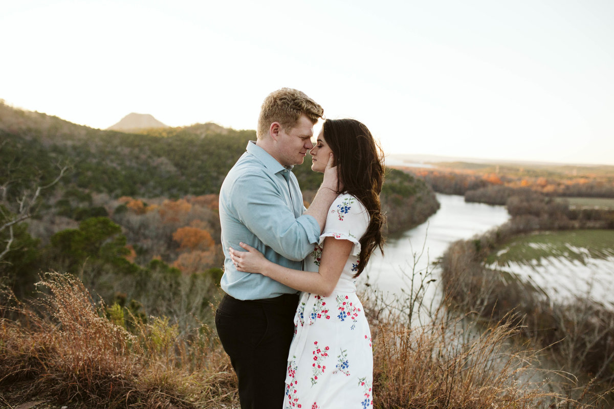 couple-engagements-mountain-top-little-rock-arkansas-wind